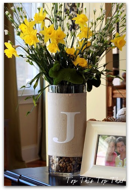 How to Make a Spring Wrap for a Vase