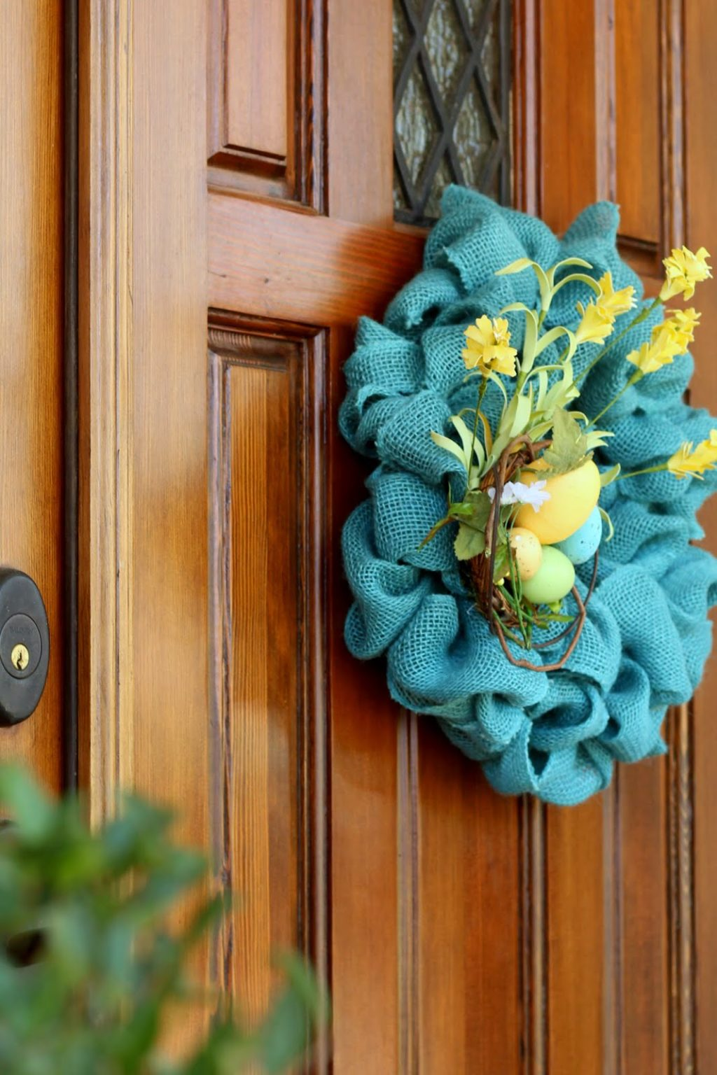 easiest burlap wreath goes blue