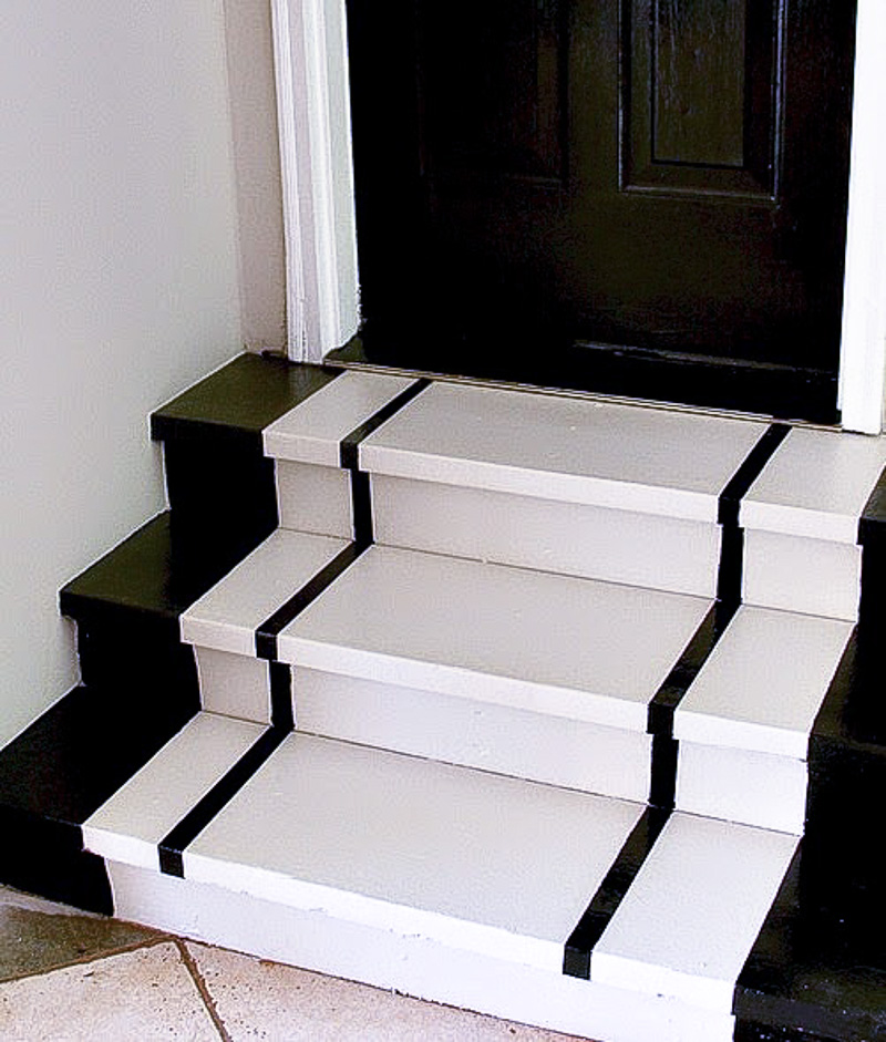How to Snaze up the Garage Steps...Simple Steps For Painting Steps