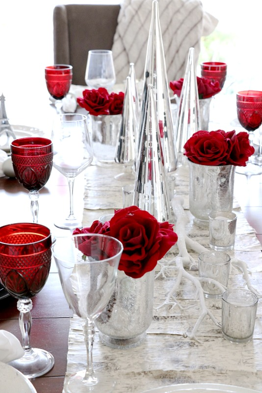 Creating A Glam Holiday Tablescape