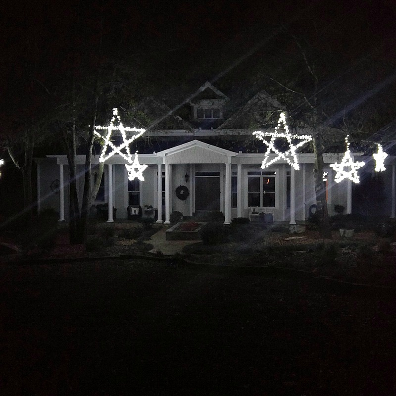DIY Outdoor Wooden Lighted Stars