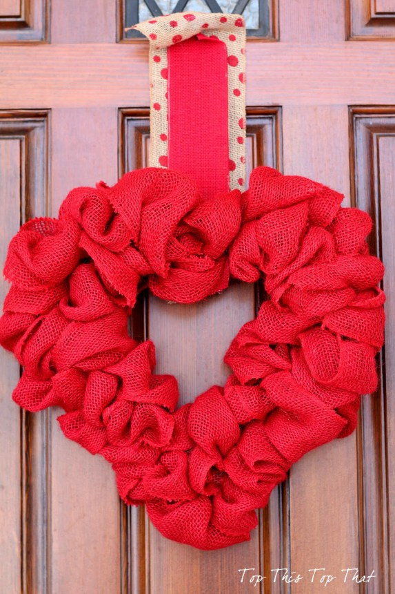 7  Valentine Wreath ideas that your doors will love
