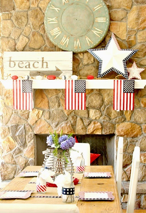 Create a Patriotic Mantel in minutes
