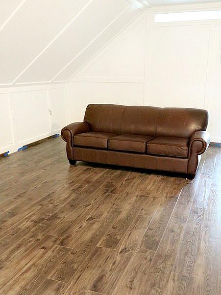 New floors using golden select duke manor farm for Golden select laminate flooring