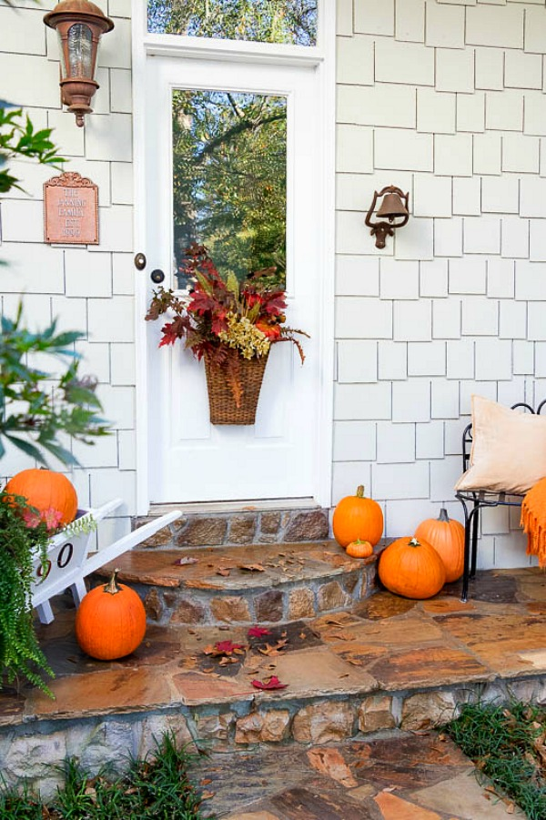 Simple Fall Ideas For Your Entry