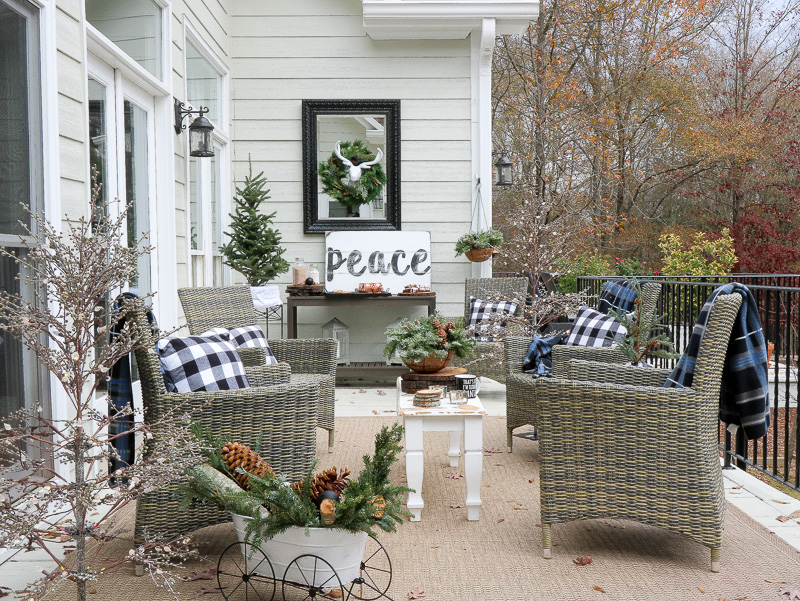 Holiday Decor Inspiration for your patio