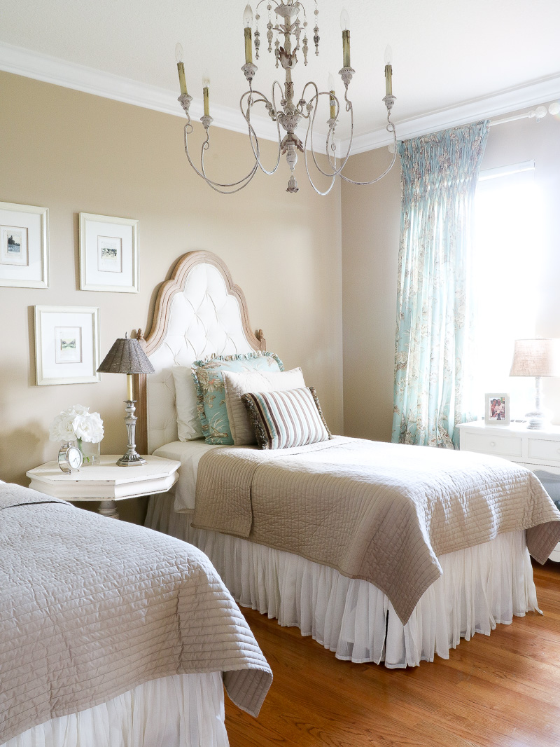 3 Style Ideas for a French Country Bedroom & 3 Style Ideas for a French Country Bedroom - Duke Manor Farm