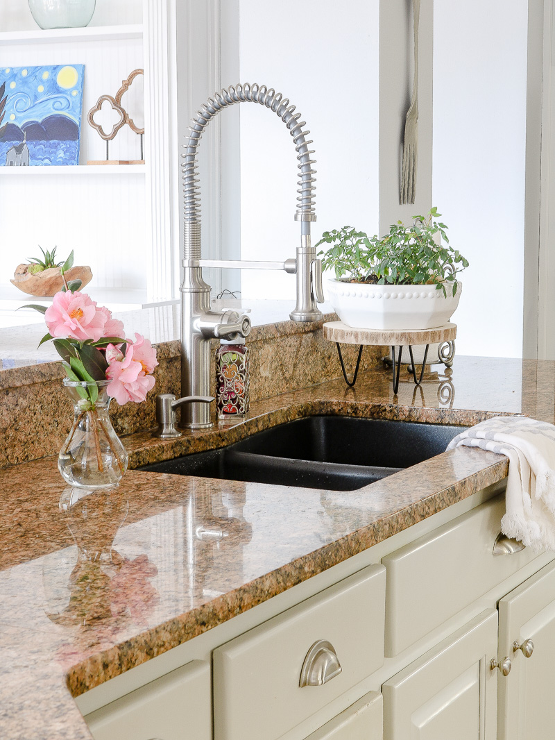 What you need to know about a Kohler pull down faucet