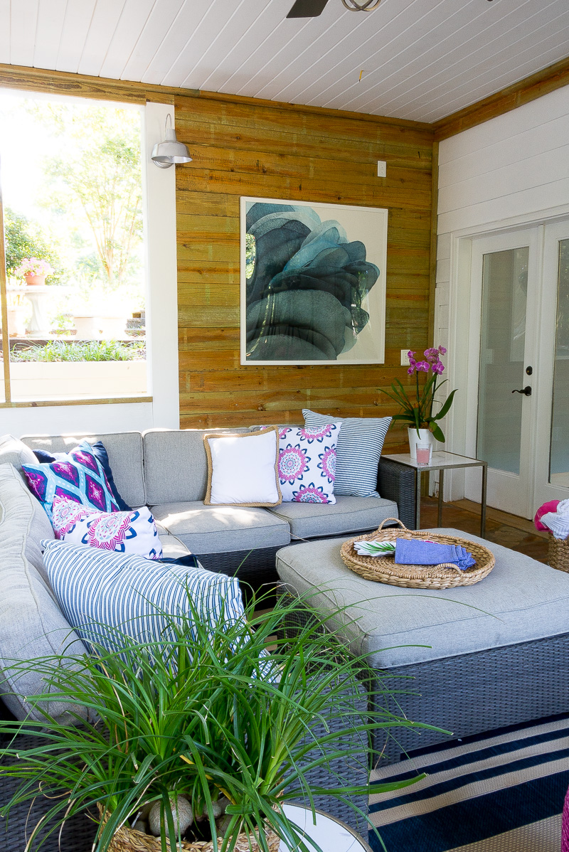 6 Essentials for your porch that will last season after season