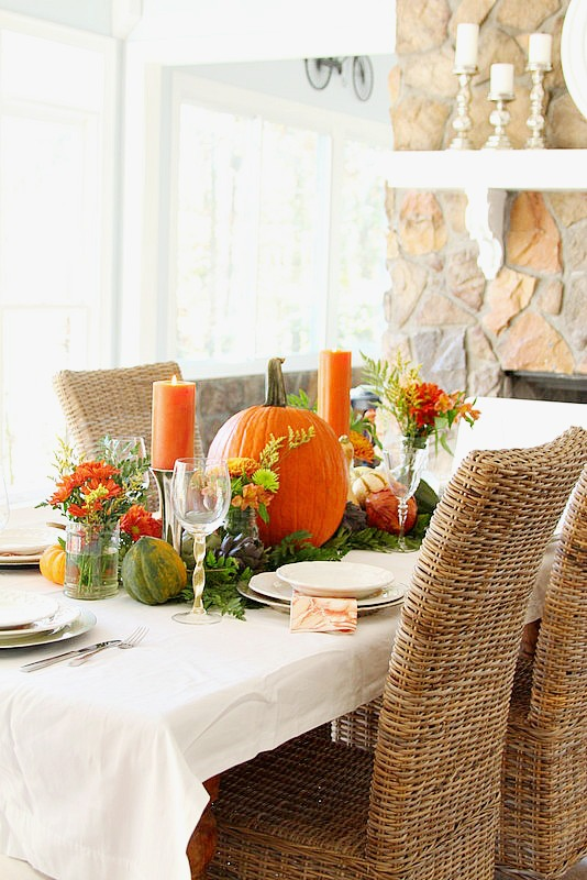 Creative Ways to Cover your Holiday Table without using a tablecloth