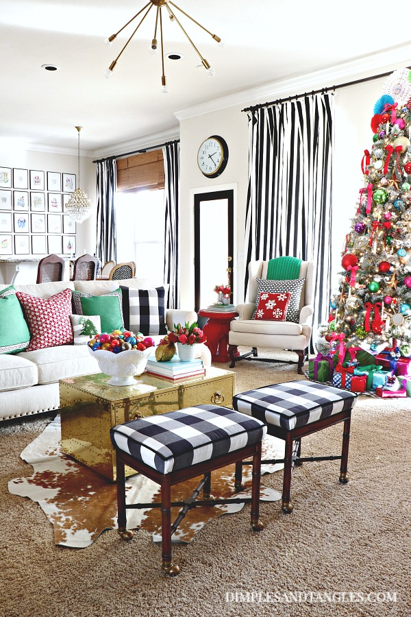 30 Holiday Homes that will inspire your holiday decorating