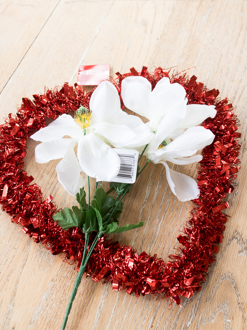 How to make a fresh magnolia wreath for Valentines Day