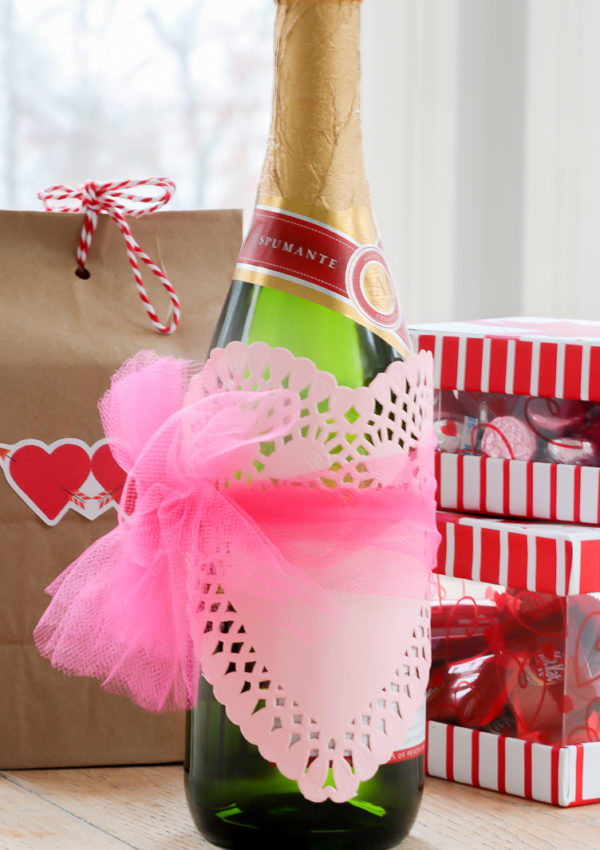 3 Thrifty Packaging ideas for Valentines Day that cost a $1.00
